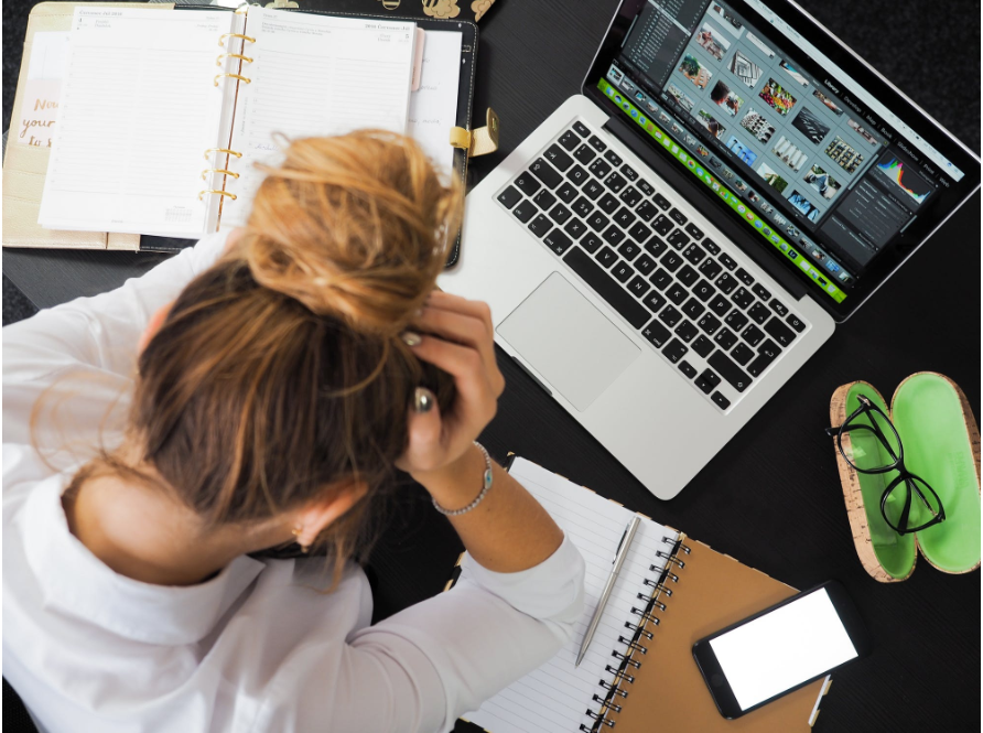 7 Tips for Managing Stress at Work or School to Avoid Burnout